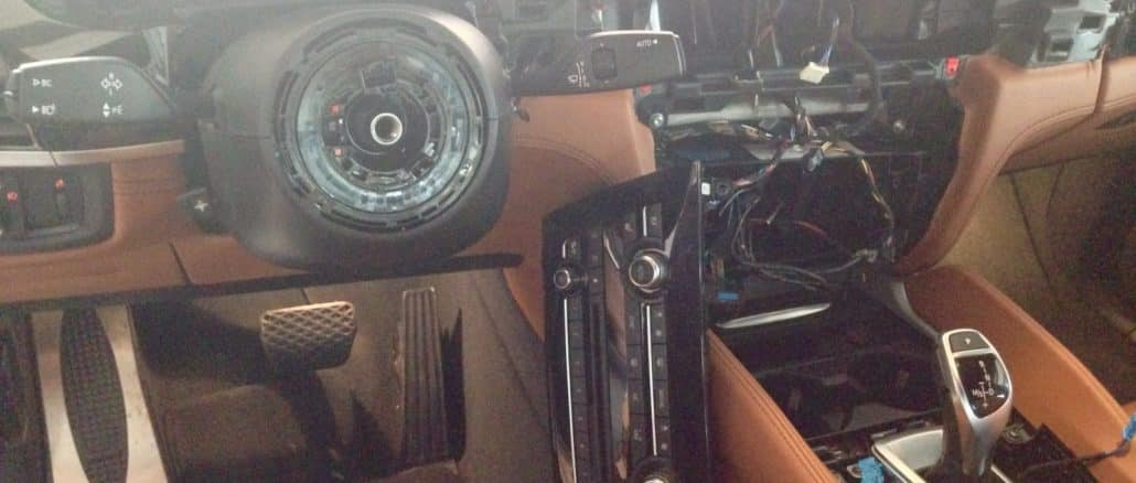 Leergeräumter BMW im Melissenweg | Foto: privat