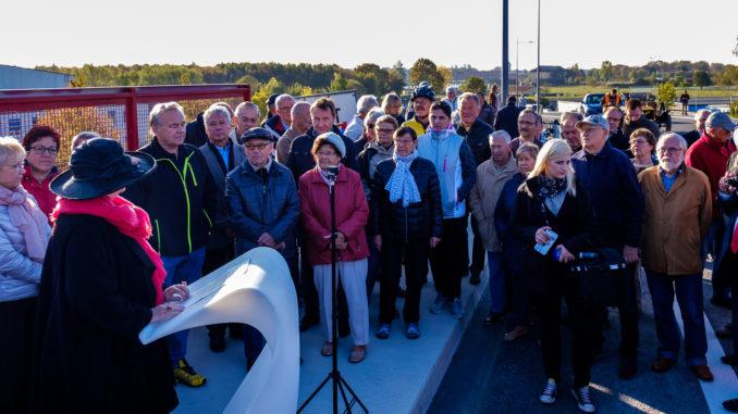 Kurze Rede der Baubürgermeisterin Dubrau bei der Eröffnung der Landsberger Brücke.